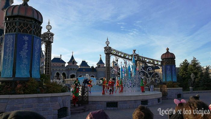 Espectáculo Merry Stitchmas en Disneyland París