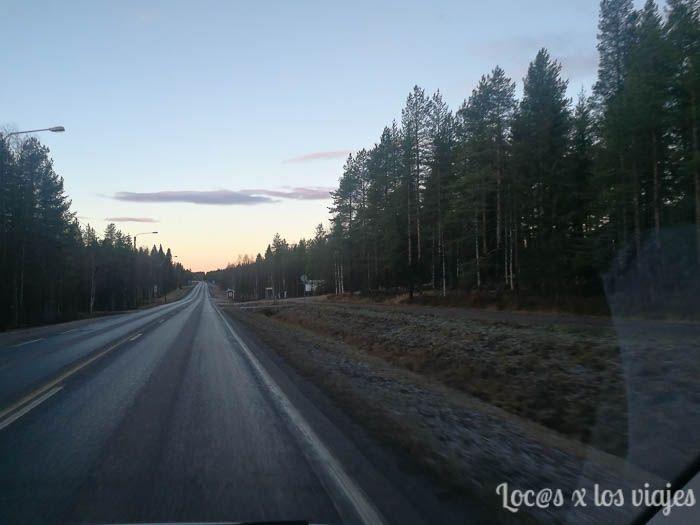 Conduciendo por Laponia