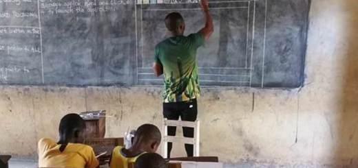 Microsoft anuncia que regalará computadoras al profesor de Ghana que enseña Word con tiza y pizarra