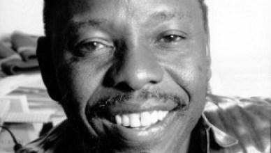 Ken Saro-Wiwa, op 10 november 1995 geëxecuteerd ten bate van de winstcijfers van petroleumbedrijf Shell