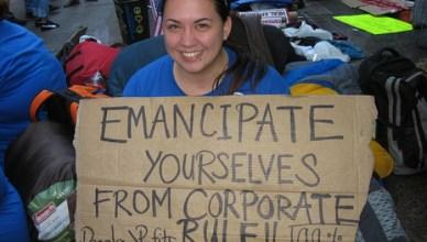 OWS betoger vindt inspiratie bij Bob Marley's Redemption Song
