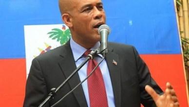 Michel Martelly, de populaire zanger 'Sweet Micky', behaalde in frauduleuze presidentsverkiezingen de overwinning