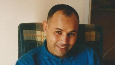 Ali Aarrass werd in 2010 in Marokko veroordeeld voor terrorisme op basis van door foltering afgedwongen bekentenissen. België weigerde hem diplomatieke bijstand te verlenen