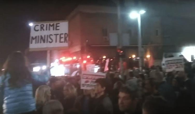 Betogers tegen de corruptie noemen het 'Mars der schande'