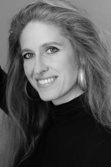 Ursula Poznanski präsentiert