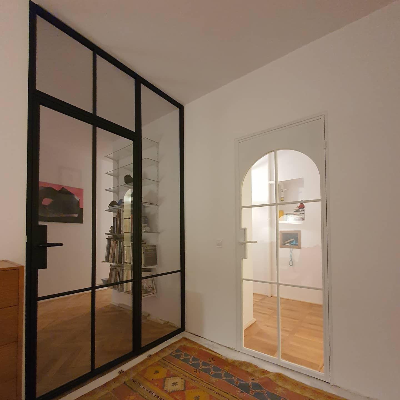 Loftowe drzwi z doświetlem
