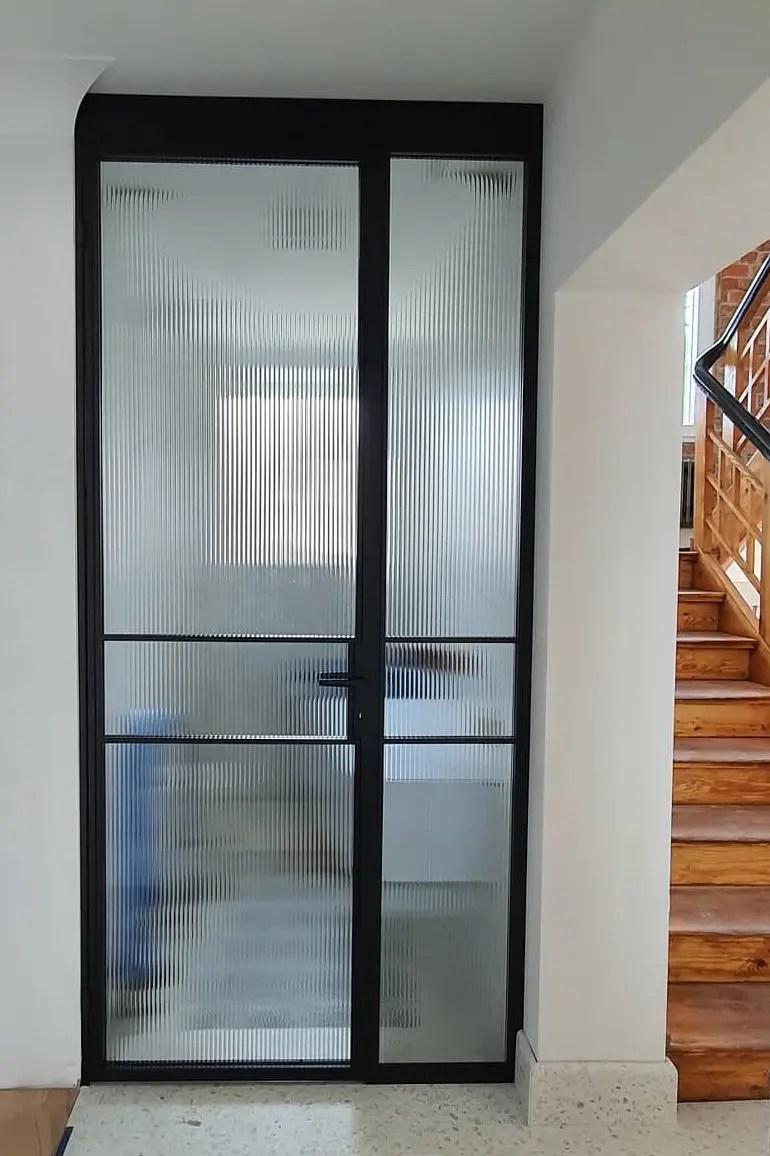 Drzwi loftowe do łazienki