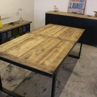 TABLE A MANGER INDUSTRIEL ACIER