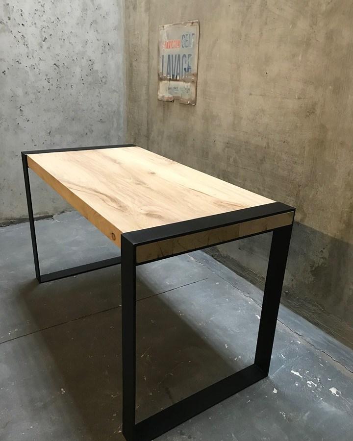 Table industriel chêne acier