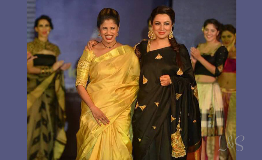 Nauras fashion week- Jayanti ballal's designs rock