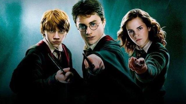 Hayranların Harry Potter dizisi sandığı J.K. Rowling duyurusu - LOG