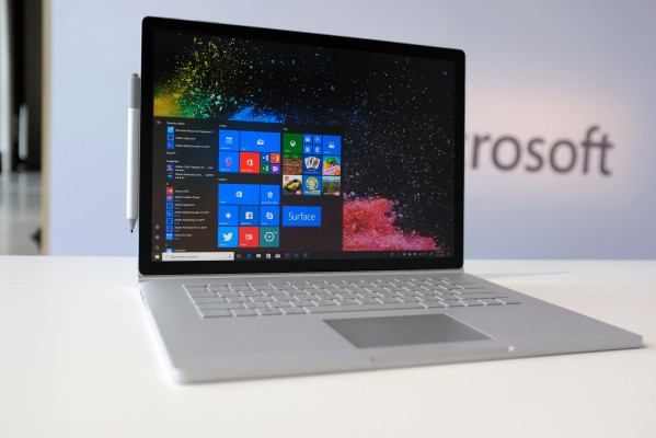 [NEWS] Microsoft's Surface Book 2 gets a processor boost – Loganspace