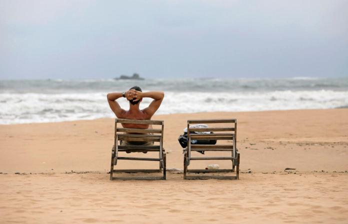 [NEWS] Deserted beaches, empty rooms: Sri Lanka tourism takes a hit after bombings – Loganspace AI