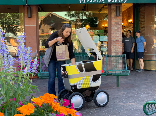 [NEWS] Postmates lands first-ever permit to test sidewalk delivery robots in San Francisco – Loganspace