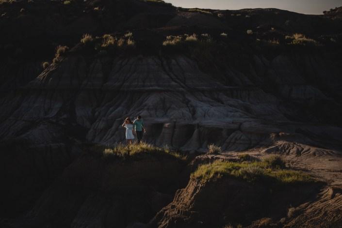 drumheller engagement photography couple sunset