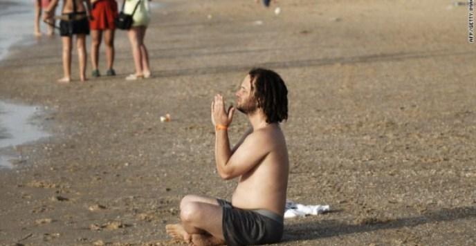 http://www.cnn.com/2010/LIVING/personal/06/03/spiritual.but.not.religious/