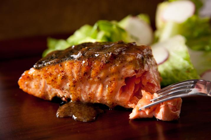 grilled-salmon-with-authentic-mexican-aalsa
