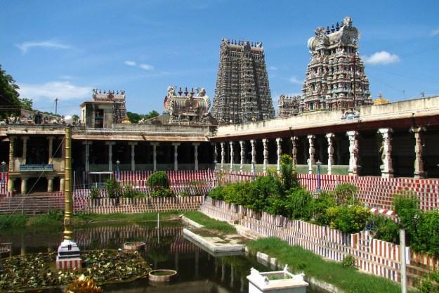 Sightseeing tour of Tamil Nadu