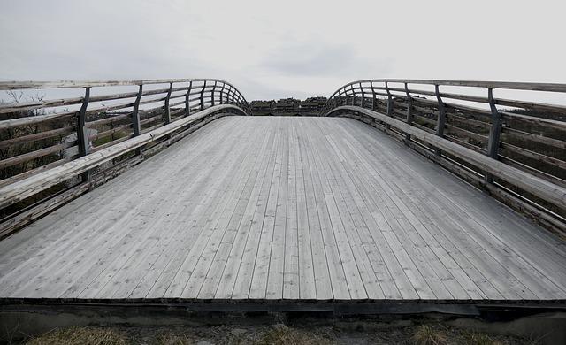 bridge-828849_640