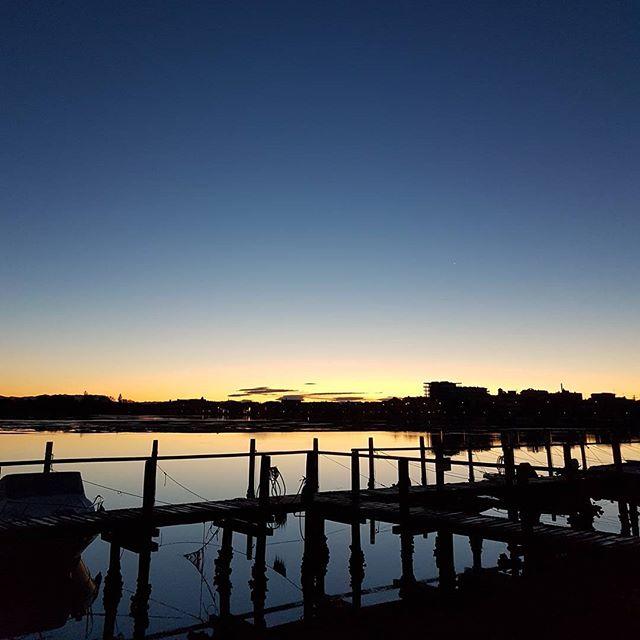 A stunning pure sunrise over the Grado lagoon #nofilter #sea #lagoon #crew #sailing #travel #traveling #visiting #traveler #instatravel #instago #instagood #trip #photooftheday #travelling #tourism #tourist #instapassport #instatraveling #mytravelgram #travelgram #travelingram #igtravel #instalife #travelblog
