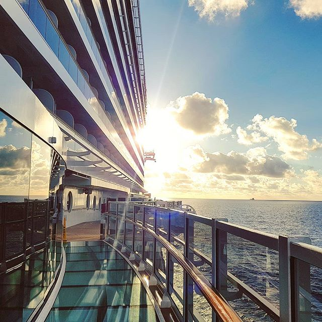 Let's begin the last day year with a bright ray of light #mscseaside #theplacetobe #caribbean #sun #cruise #crew #sailing #travel #traveling #traveler #instatravel #instago #instagood #trip #photooftheday #instapassport #instatraveling #mytravelgram #travelgram #travelingram #igtravel #instalife #travelblog #sea