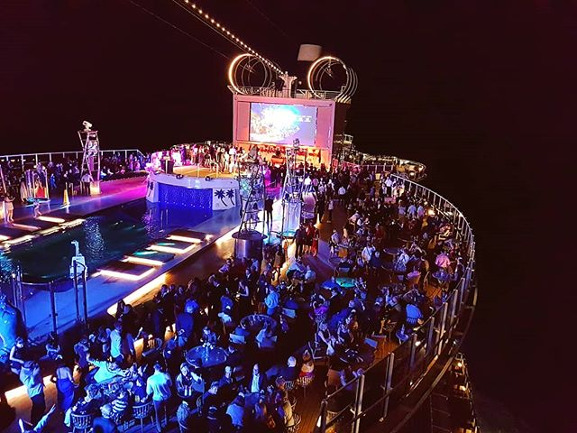 Msc Seaside NYE pool party #theplacetobe #cruise #crew #sailing #travel #traveling #traveler #instatravel #instago #instagood #trip #photooftheday #instapassport #instatraveling #mytravelgram #travelgram #travelingram #igtravel #instalife #travelblog #sea