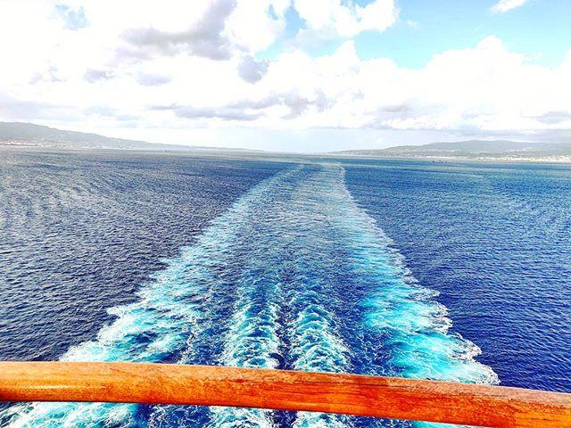 Don't left behind yours dreams #bluesea #portrait#cruising #cruise #crew #sailing #travel #traveling #traveler #instatravel #instago #instagood #trip #photooftheday #instapassport #instatraveling #mytravelgram #travelgram #travelingram #igtravel #instalife #travelblog #sea #travelstoke