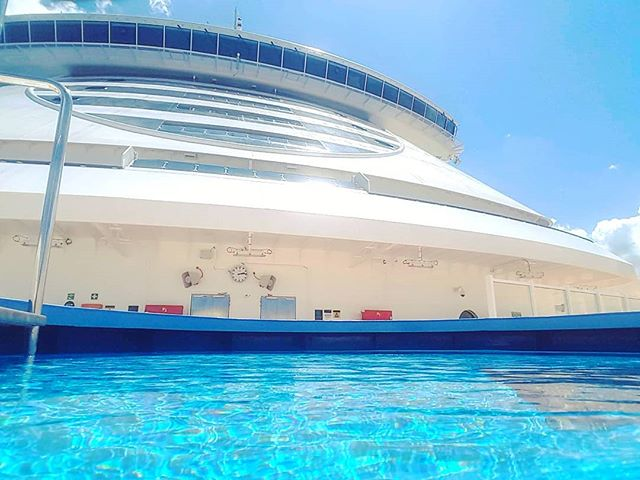 A different point of view to observe the magnificent of MSC Seaview: directly inside the crew pool #mscseaview #msccruises #deepblue #cruising #cruise #crew #sailing #travel #traveling #traveler #instatravel #instago #instagood #trip #photooftheday #instapassport #instatraveling #mytravelgram #travelgram #travelingram #igtravel #instalife #travelblog #sea #travelstoke