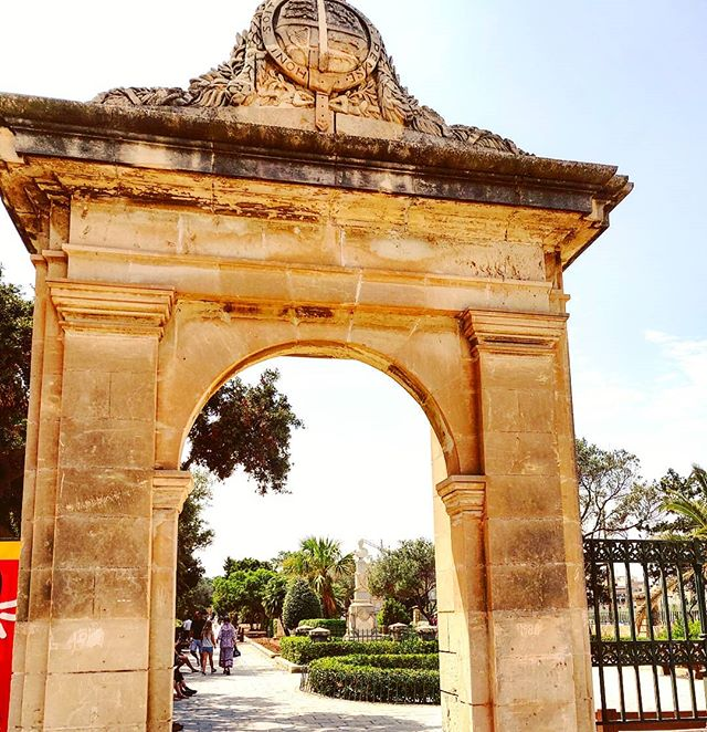 Cross the arch, please don't stop now  #malta #garden  #travel #travelling #toptags #vacation #visiting #traveler #instatravel #instago #wanderlust #trip #holiday #photooftheday #lifeofadventure #doyoutravel #tourism #tourist #instapassport #instatraveling #mytravelgram #travelgram #travelingram #igtravel #instalife #ig_worldphoto #travelstoke #traveling #travelblog #instago