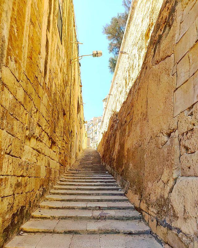 Steps by steps #lavalletta #malta #travel #travelling #toptags #vacation #visiting #traveler #instatravel #instago #wanderlust #trip #holiday #photooftheday #lifeofadventure #doyoutravel #tourism #tourist #instapassport #instatraveling #mytravelgram #travelgram #travelingram #igtravel #instalife #ig_worldphoto #travelstoke #traveling #travelblog #instago