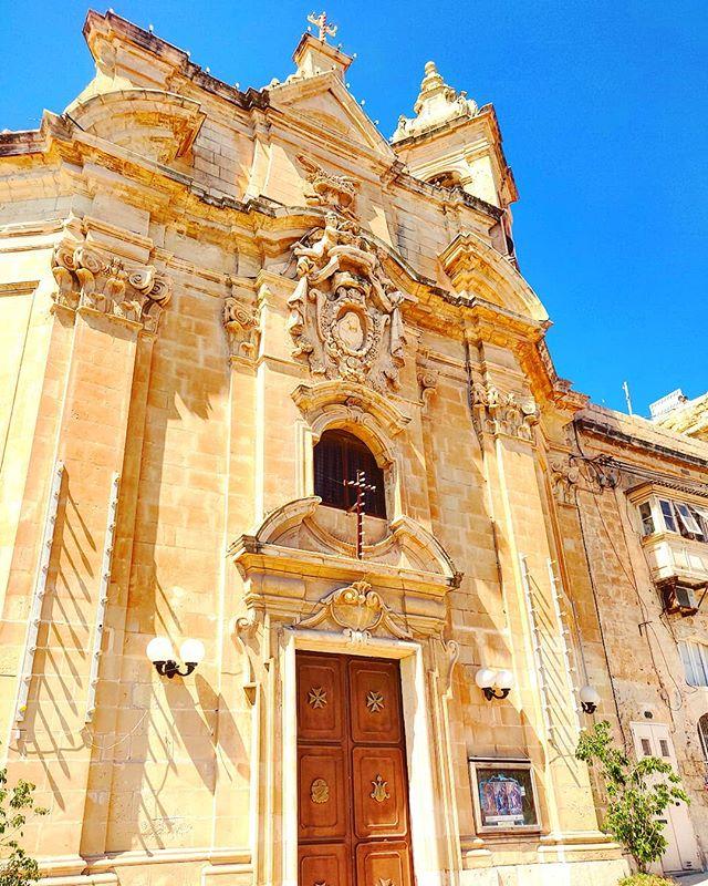La Valletta is a place of infinity faith #malta #architecture  #travel #travelling #toptags #vacation #visiting #traveler #instatravel #instago #wanderlust #trip #holiday #photooftheday #lifeofadventure #doyoutravel #tourism #tourist #instapassport #instatraveling #mytravelgram #travelgram #travelingram #igtravel #instalife #ig_worldphoto #travelstoke #traveling #travelblog #instago