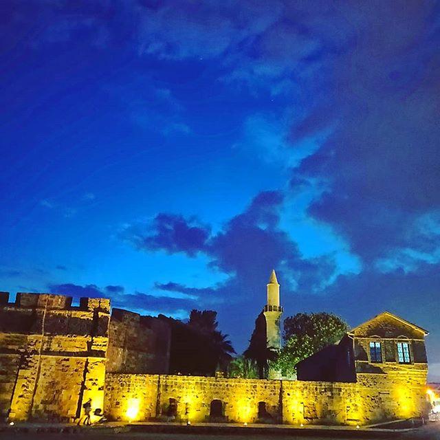 Larnaca at dusk #postcard #castle #deepblue #mosque #beachfront #seaside •••  #travel #travelling #toptags #traveler #instatravel #instago #photooftheday #lifeofadventure #instapassport #instatraveling #mytravelgram #travelgram #travelingram #igtravel #instalife #ig_worldphoto #traveling #travelblog #instago #travelstoke