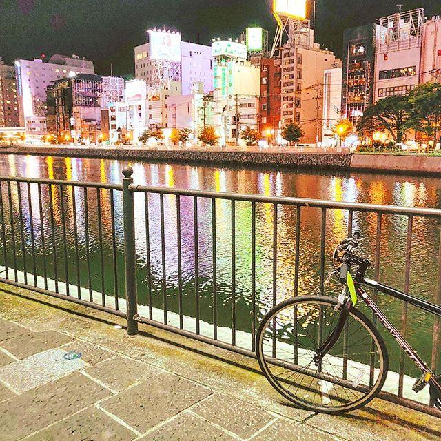 Discovering Fukuoka nightlife ••#japan #fukuoka #maidirebanzai #nightlights #travel #travelling #traveler #instatravel #wanderlust #trip #lifeofadventure #doyoutravel #instapassport #instatraveling #mytravelgram #travelgram #travelingram #travelstoke #traveling #travelblog #instago