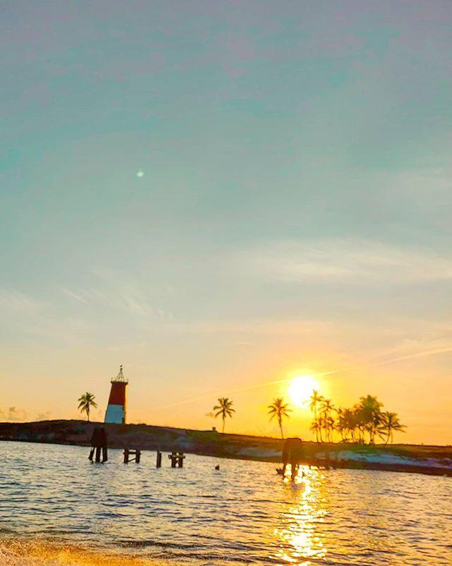 Dream on at sunset  #bahamas #travelers #seaworld #traveling #travelstoke #travelholic #lighthouse #sea #travelblogger #travelgram  #traveldiary #travelblog #traveldeeper #traveltheworld #travelling #sea #sunset #travellers #traveladdict #travel #travelawesome #sunsets #travelingram #seascape #traveler #travelphotography