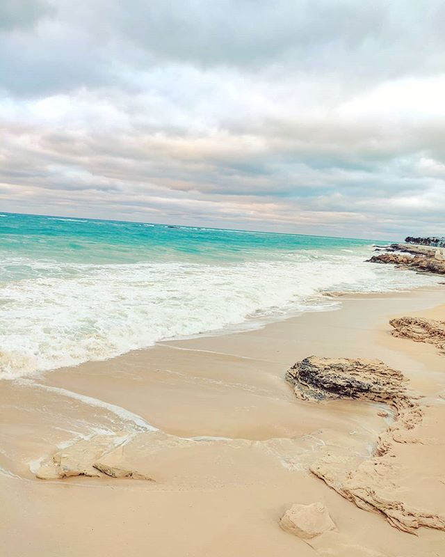 Cloudy day 🇧🇸⛈️🙄 #bimini #bahamas #traveling #travelgram #traveladdict #traveller #sea #sealife #traveler #clouds #cloudscape #caribbean #travel #sand #instaclouds #travellife #travelphotography #travelholic #travelblogger #caribbeansea #cloudstagram #travelling #travelpics #travelphoto #travelawesome #travelingram #travelstoke