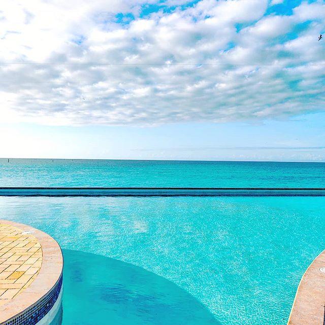 Go beyond your limits 🤙 🇧🇸 #bimini #bahamas #sealife #travelholic #travellife #traveling #infinity #travelmore #travelpics #travelphotography #island  #sea #traveladdict #islandlife #travelgram #seashore #traveler #travelling #travels #seascape #travelstoke #infinitypool #travelawesome #travel