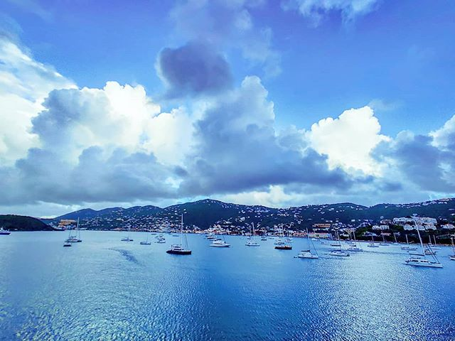 Cloudy sky #crew #crewlife #lifeatsea #travelphotography #travelstoke #traveling #traveltheworld #travelawesome #cloud #traveller #island #travelling #travelbug #traveler #travel #travelholic #travelblogger #travels #travelingram #caribbean #travelpics #travelblog #traveladdict #travellife #islands #clouds #travelgram #sail #travelphoto