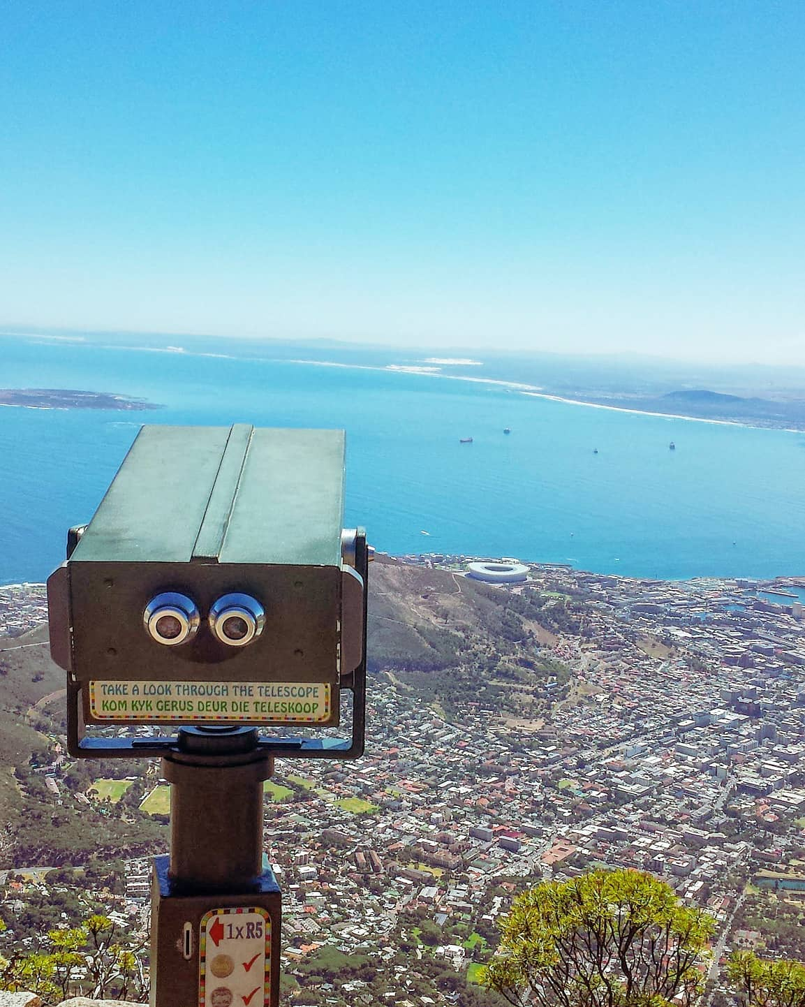 Always looking to the next journey 🌍🔭Table Mountain, South Africa 2014#capetown #africa #tbt #blue #travelawesome #southafrica #travelphoto #traveler #seaside #travelstoke #travelholic #sea #naturephotography #traveldeeper #hiking #travelphotography #nature #wakawaka #travelgram #travel #naturelovers #traveling #travelpics #mountains