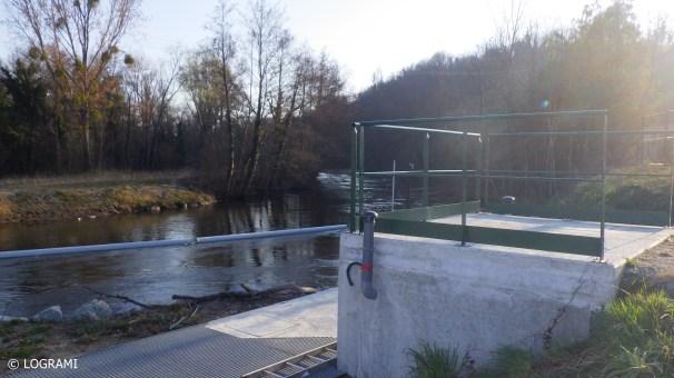 Local de comptage implanté en amont de la passe à poissons à la microcentrale hydroélectrique de Moulin Breland