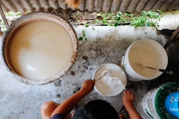 Beauty Beads: The Last Bedak Sejuk Maker of Penang