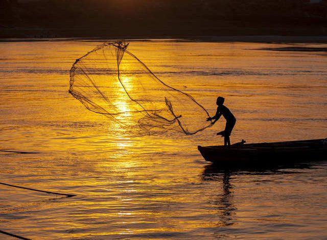 १ जूनपासून मासेमारी बंद, प्रशानाकडे मच्छीमारांकडून मुदतवाढीची मागणी