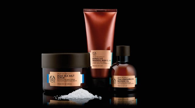 Ritual de revitalizare Spa of the World: Dead Sea Salt Scrub, Moroccan Rhassoul Body Clay, Thai Lemongrass Massage Oil
