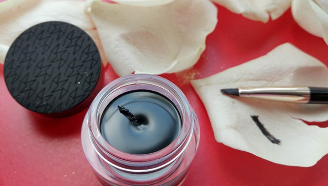 MustaeV Smudge Proof Catwalk Gel Liner