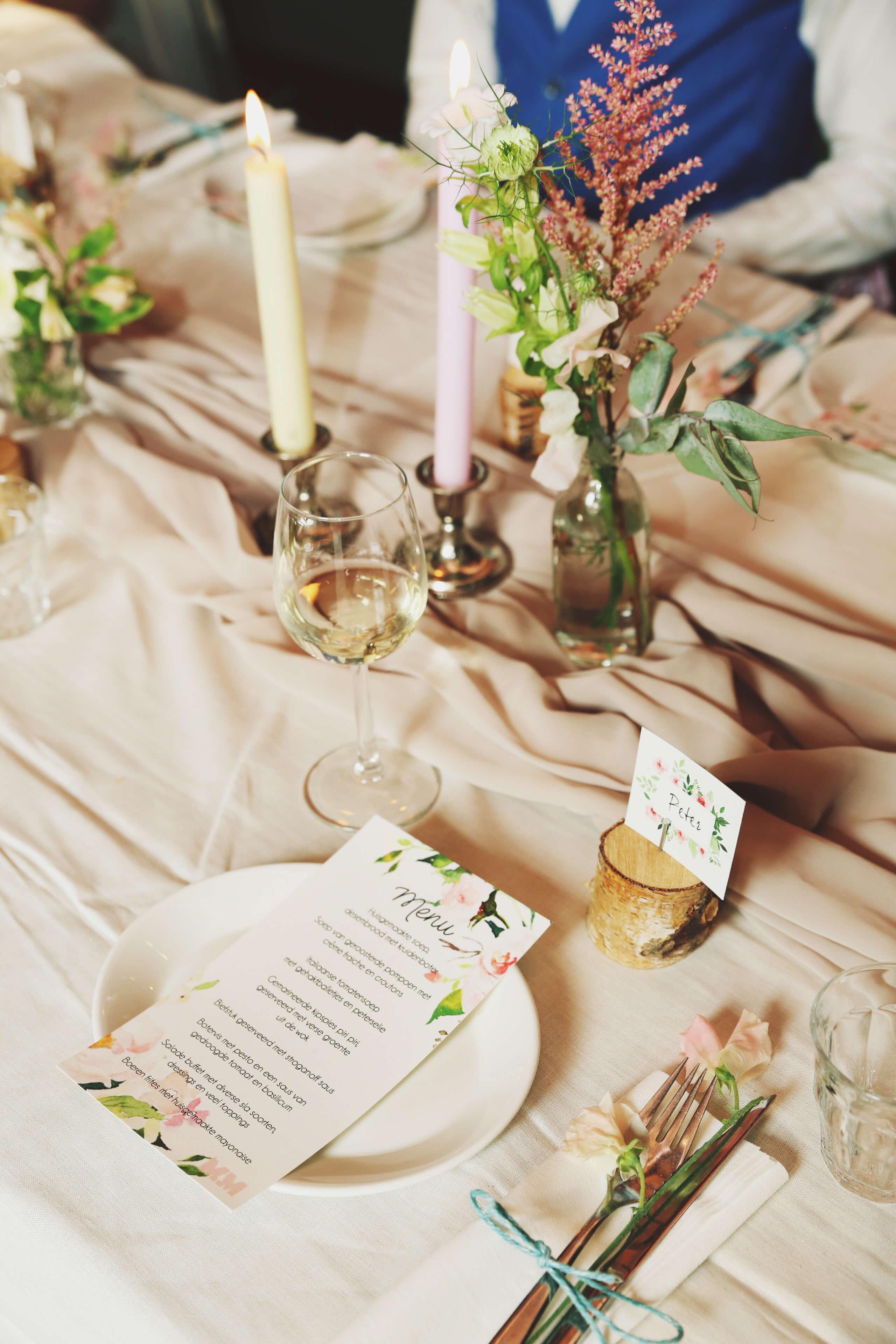 Romantische tafelstyling