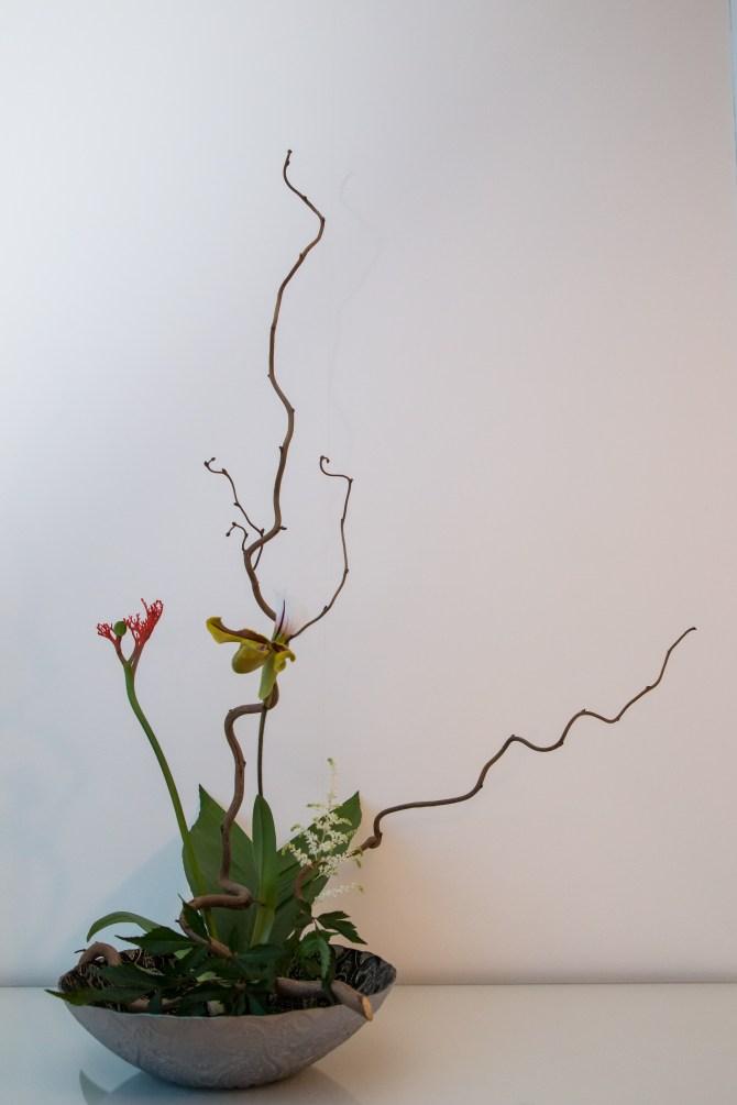 "Ikebana ""style libre"" 2ème exemple du 24 avril 2017"