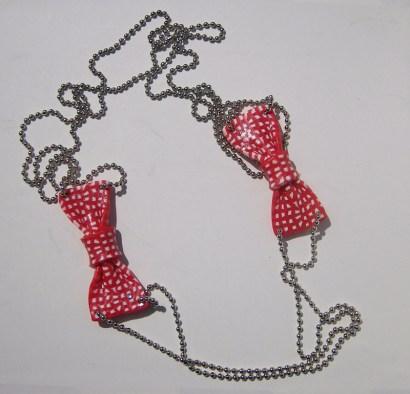 Collier petits noeuds