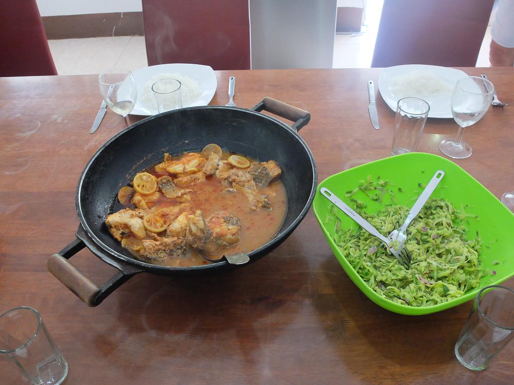 Rodrigues - Poisson et rougail mangue préparés par Jean-Yves