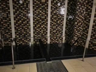 """""""Onsen"""" bain d'eau thermale dans l'hôtel"""