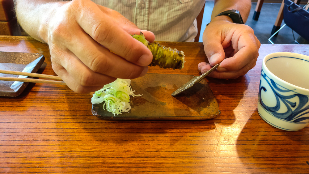 Restaurant Kobayashi Soba à Matsumoto : gingembre frais et sa rapette