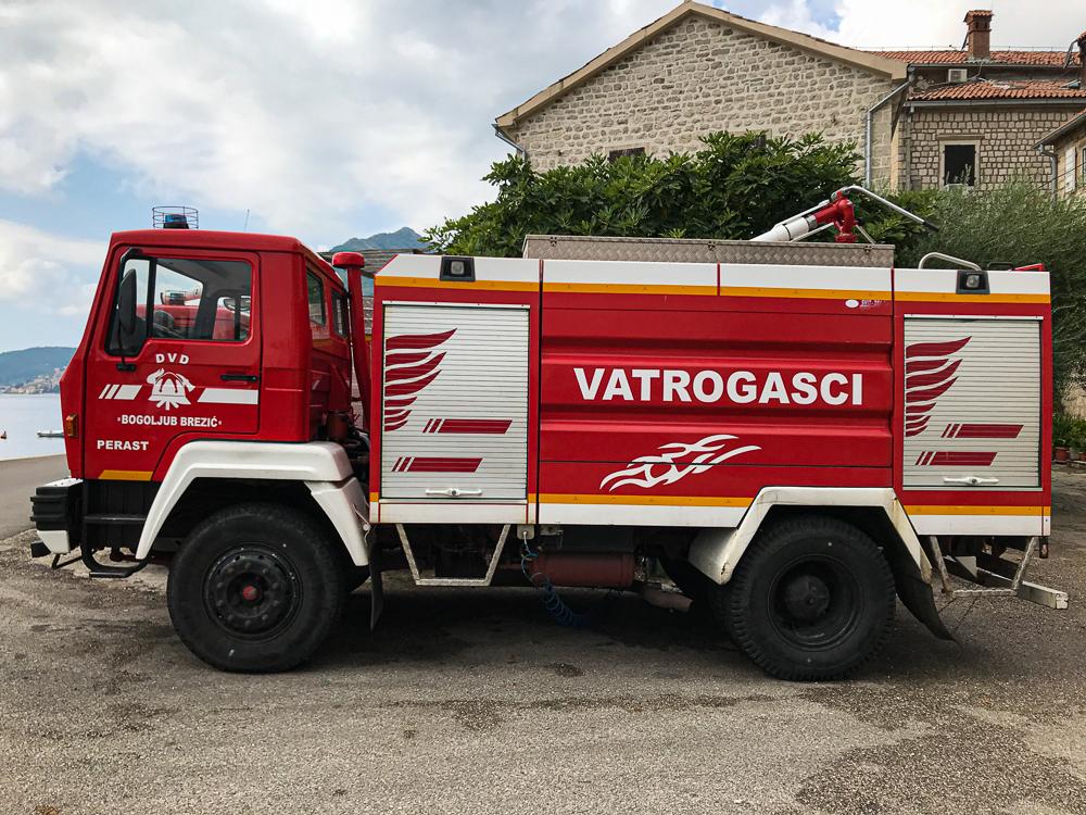 Camion de pompiers à Perast